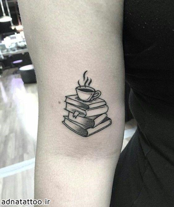 طرح تاتو کتاب روی بازو